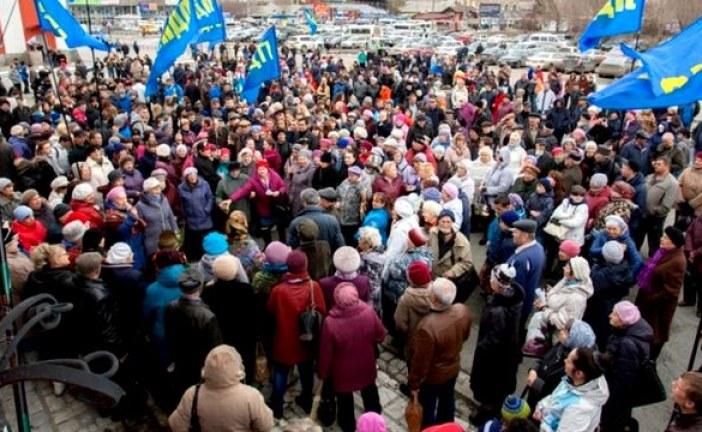 Около двух тысяч жителей Алтайского края встретили агитпоезд ЛДПР