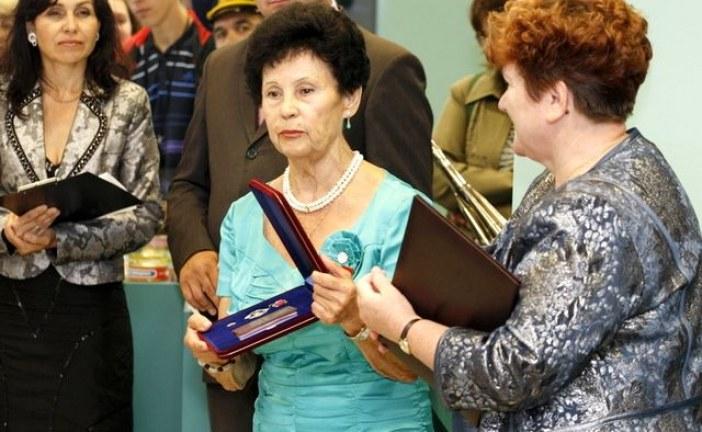 Семья Германа Титова передала алтайскому музею личные вещи космонавта