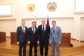 Депутаты Барнаульской Думы встретились с трехкратным олимпийским чемпионом, героем России, депутатом Александром Карелиным