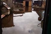 …Всюду клин: жители бийского микрорайона тонут в дождях